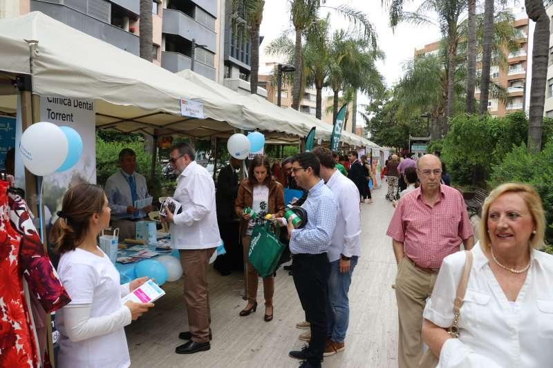 Feria comercial en la Avenida el Vedat de Torrent.