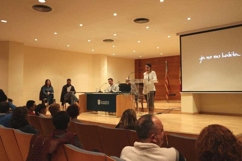 Presentació del llibre Inventari de fragilitats de l?autor Jesús Girón a Torrent. EPDA