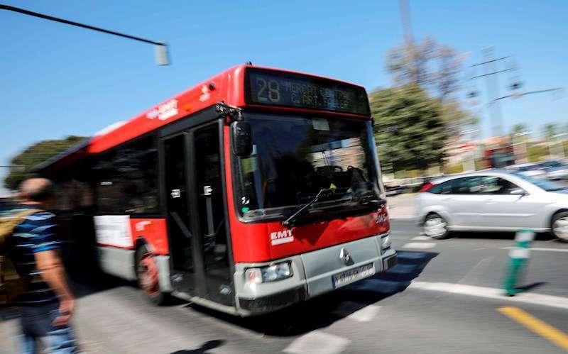 Un autob�s de la Empresa Municipal de Transportes (EMT) de Valencia.