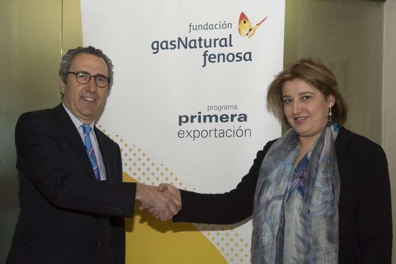 La directora general de Internacionalización de la Generalitat Valenciana, Mónica Cucarella, y el director general de la Fundación Gas Natural Fenosa, Martí Solà