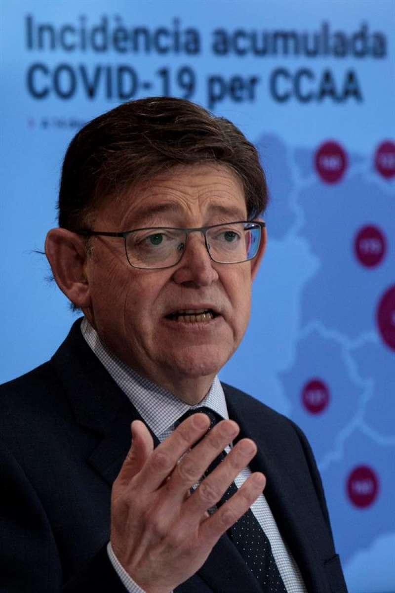 El president Ximo Puig durante la rueda de prensa ofrecida tras la reunión Interdepartamental de la Generalitat. EFE / EPDA