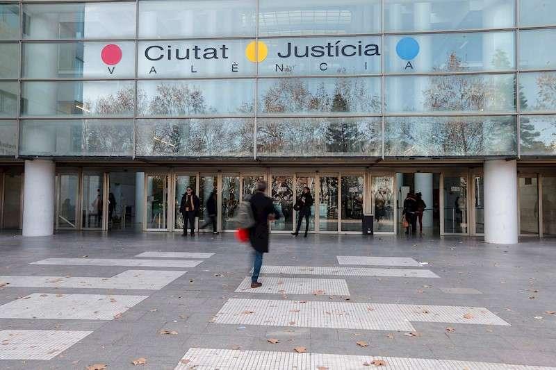 Imagen de la fachada de la Ciudad de la Justicia de València. EFE/Archivo