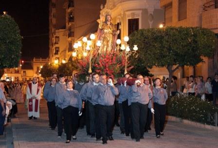 Imagen de la procesión en honor al patrón. Foto: EPDA.