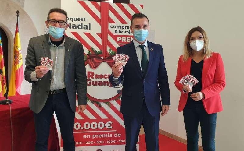 El alcalde de Riba-roja, Robert Raga en la presentación de la campaña. / EPDA