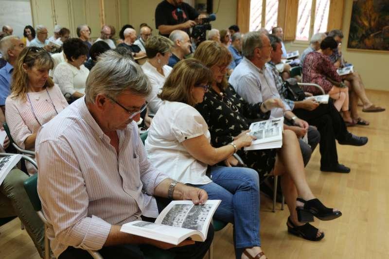 El público llenó el salón de sesiones