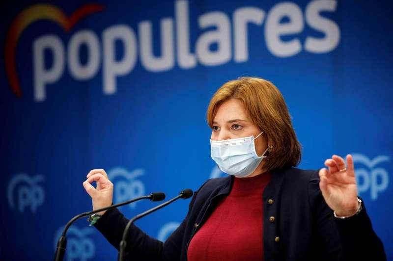 La presidenta del PPCV, Isabel Bonig, en una rueda de prensa ofrecida este martes. EFE