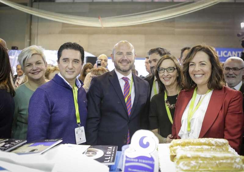 Autoridades de la provincia de València en Fitur. /epda