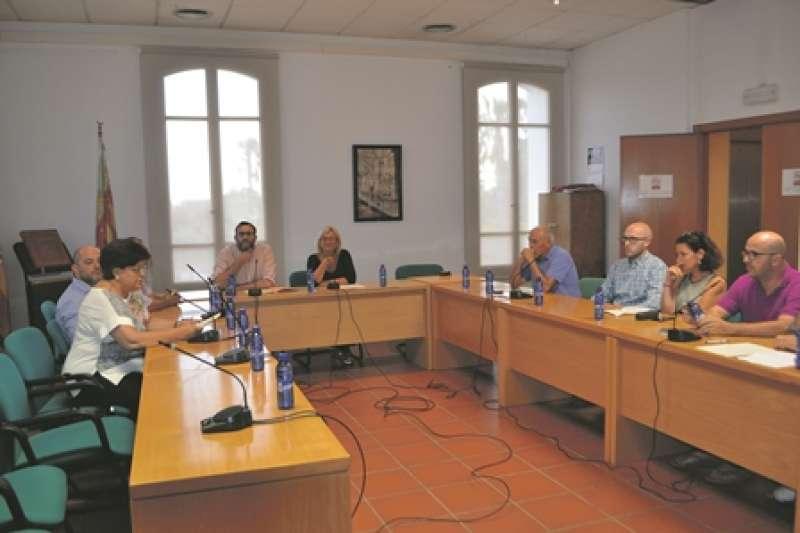 Celebración del pleno de renuncia de la exacaldesa de Rocafort. EPDA