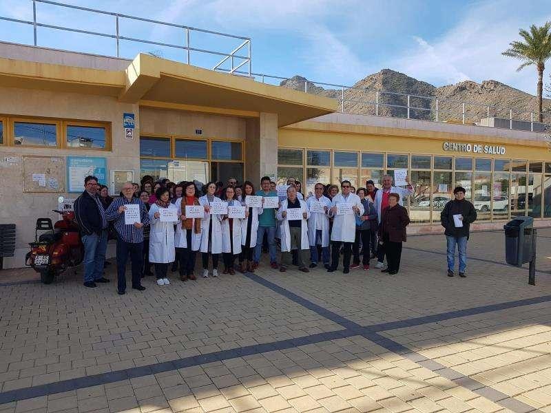 Protestas frente a un centro de salud. FOTO ARCHIVO