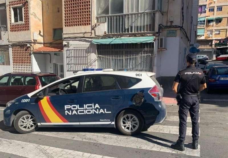 Un coche de la Policía Nacional en una imagen facilitada por el cuerpo policial.