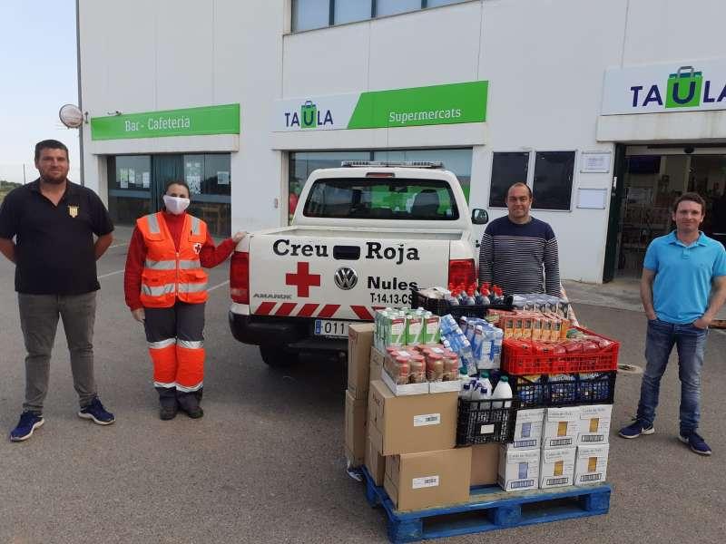 Club de Cazadores La Ardilla de Betxi compran alimentos para Cruz Roja. EPDA