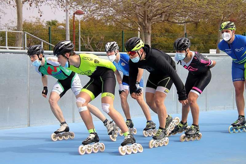 Les patinadores a Paiporta. EPDA