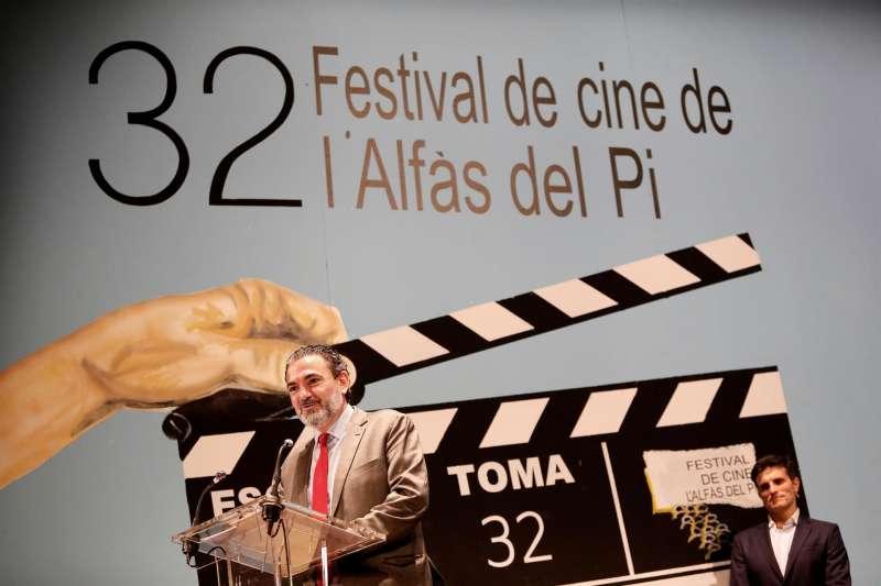Imagen de archivo del Alcalde de Alfaz del Pi, Vicente Arques, durante la presentación de la 32 edición del Festival de Cine de Alfaz del Pi que se celebró en 2020 en la localidad alicantina. EFE