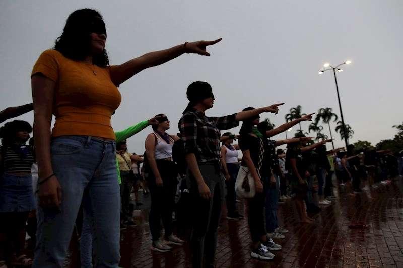 Mujeres durante una concentración contra la violencia machista. EFE
