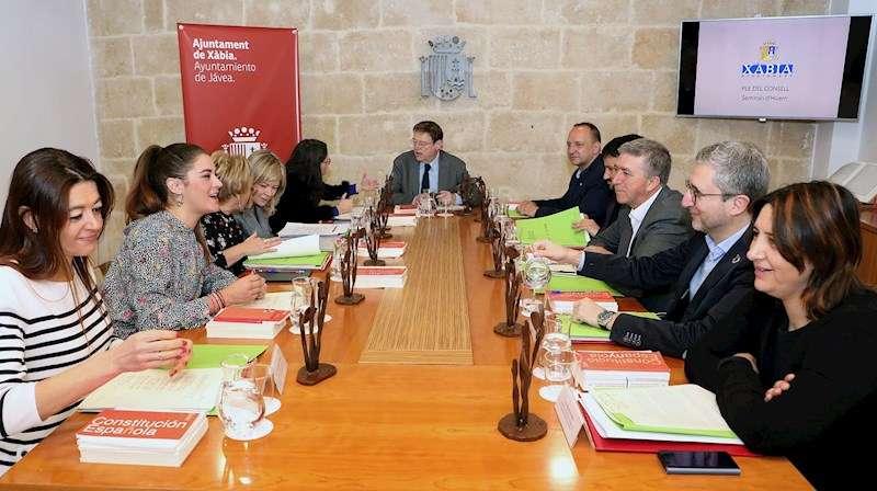 Miembros del Gobierno valenciano durante la reunión del Pleno del Consell que tiene lugar en Xábia (Alicante). EFE