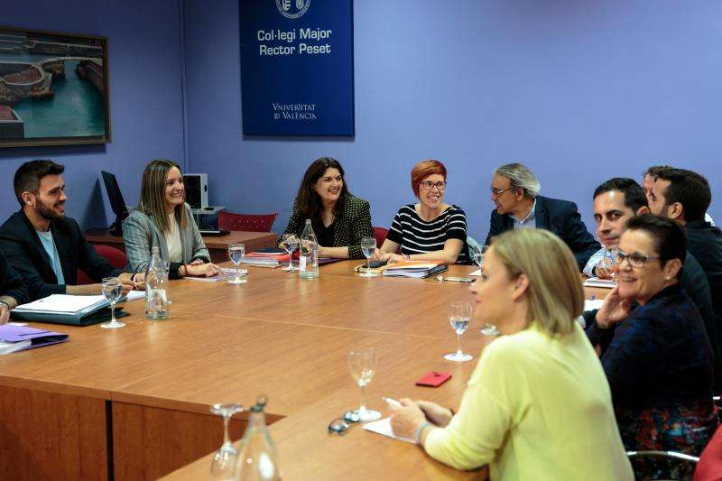Representantes de la comisión negociadora del PSPV,, Compromís y Unides Podem. EFE/Archivo