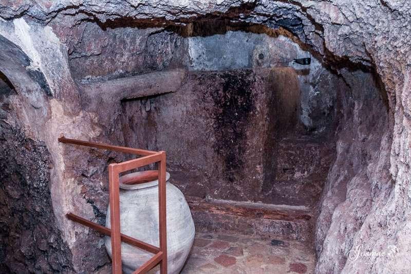 Imagen de la cueva-bodega
