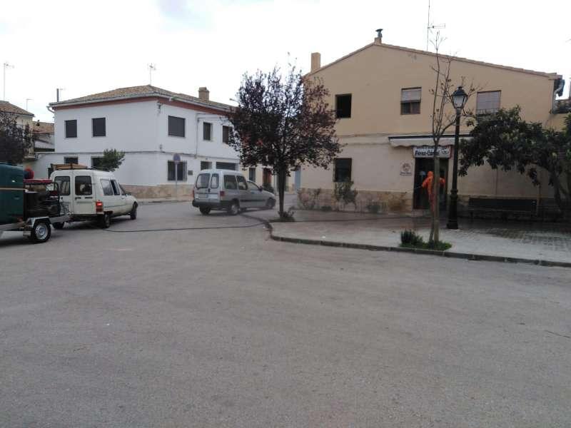 Desinfección de calles en Requena