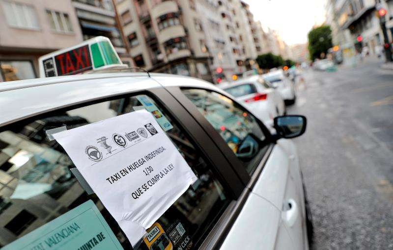 Un taxista cuando hizo huelga en contra de Uber. EPDA