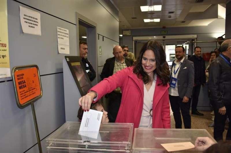 Belén Hoyo votando en Valencia. EPDA