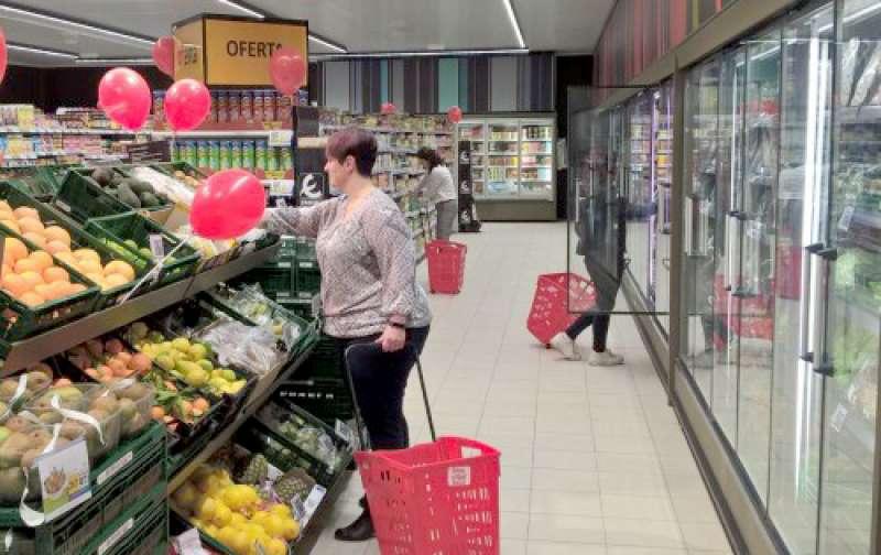 Hoy se ha abierto el supermercado