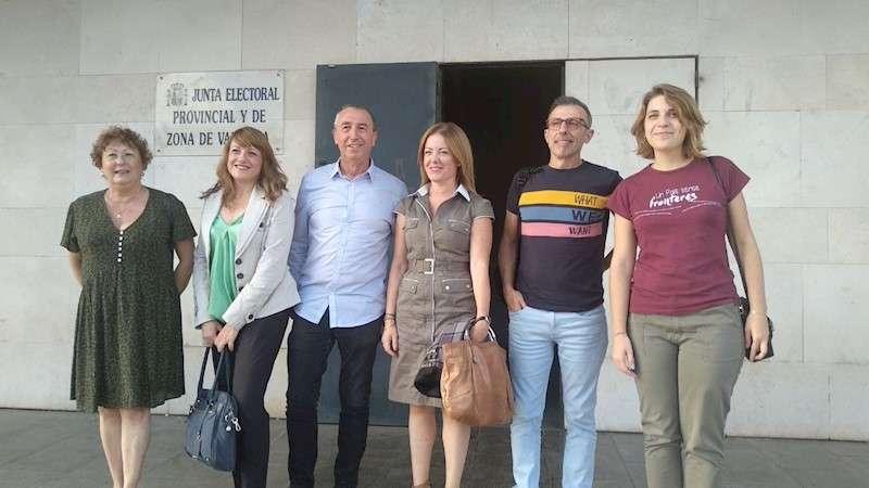 Miembros de la candidatura de Més Compromís al Congreso por Valencia, en una imagen facilitada por la coalición.
