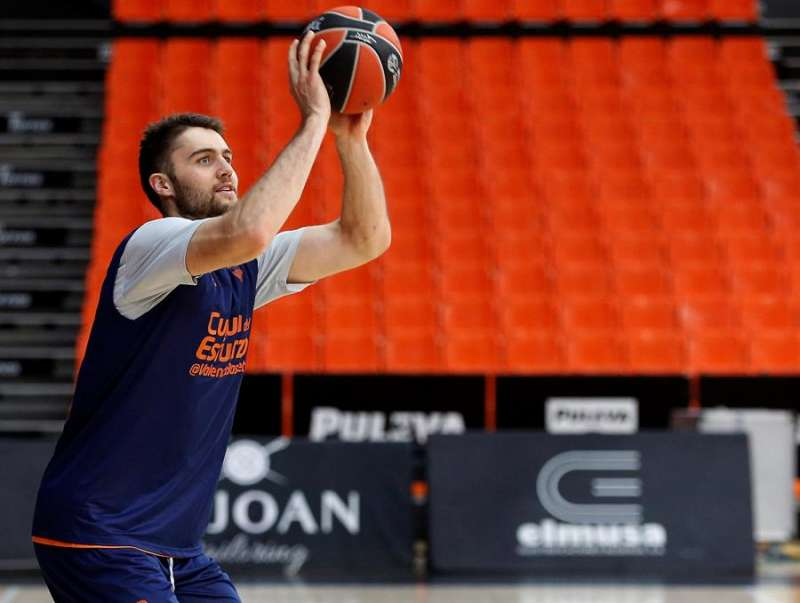 El pívot del Valencia Basket Mike Tobey. EFE