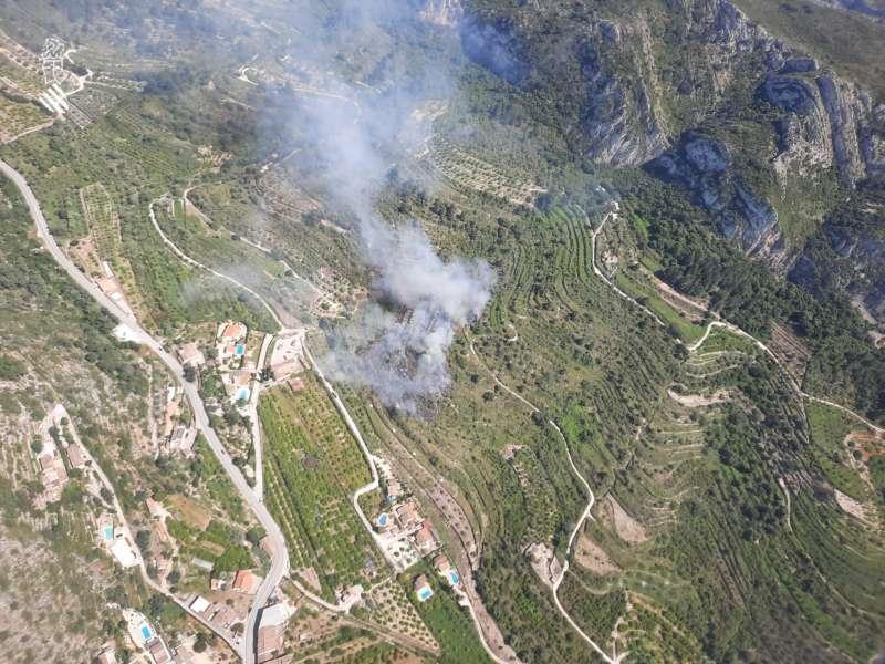 Imagen aérea del incendio a las 15:40 horas. Foto: @GVA112