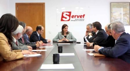 La consellera de Educación, Formación y Empleo, María José Català en el SERVEF. Foto EPDA