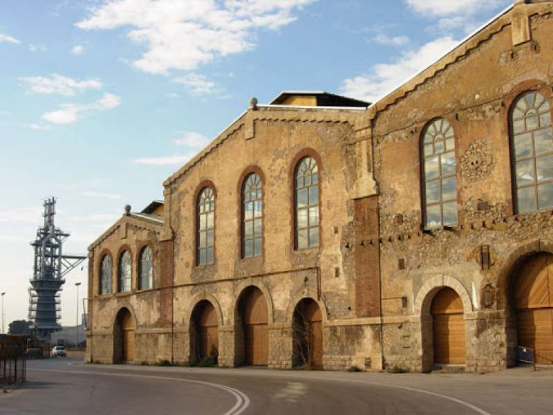 La antigua Nave de Talleres Generales de Puerto de Sagunto
