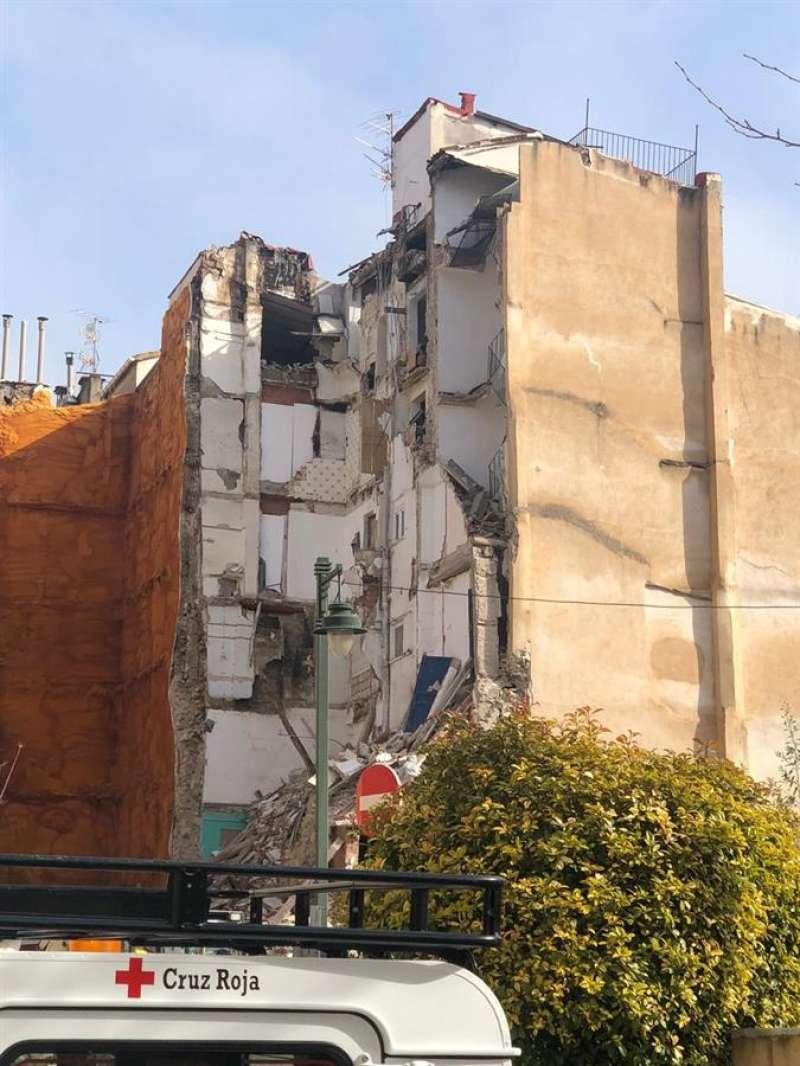 Edificio derrumbado en Alcoi en el que ha fallecido una mujer. EFE/