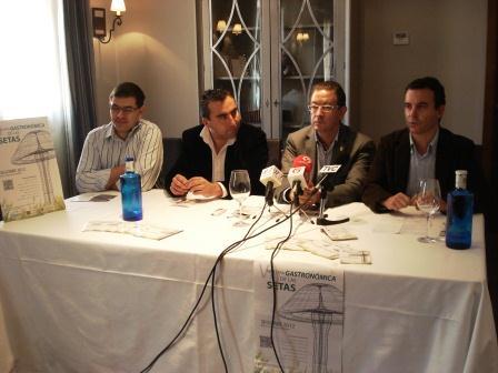 Presentación de la VI Muestra Gastronómica de las Setas que tuvo lugar ayer en el Rte. María de Luna. Foto EPDA