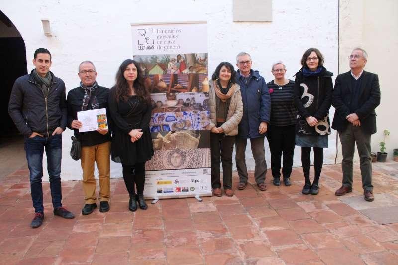 Los  y las directoras de los museos participantes con Carlos Fernández Bielsa, Antonio Bravo, Esther Alba. EPDA