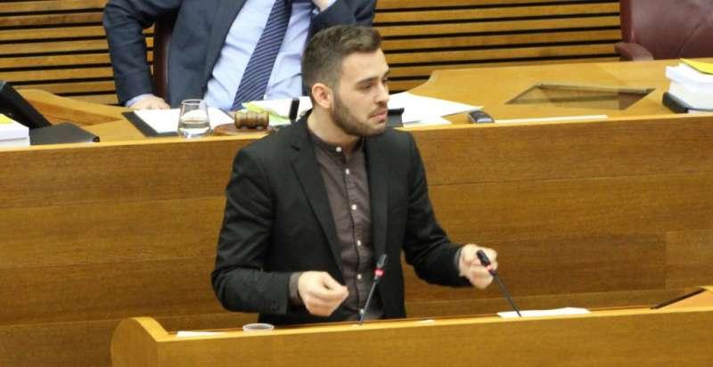 El síndic del grup parlamentari Compromís, Fran Ferri