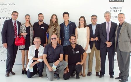 El concejal de juventud, Cristóbal Grau, con modelos, sponsors y organización de VFW. Foto EPDA