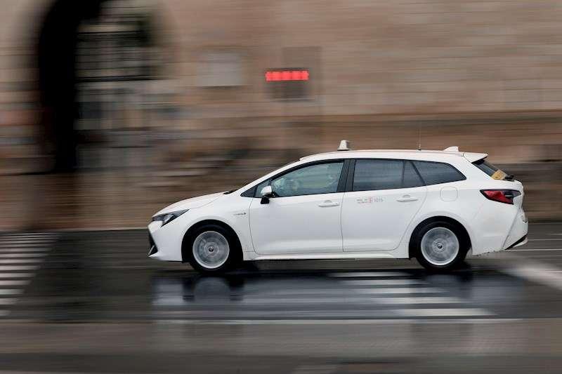 Los taxistas cobrarán 10 euros por hora, hasta un máximo de 80 euros por jornada. EFE