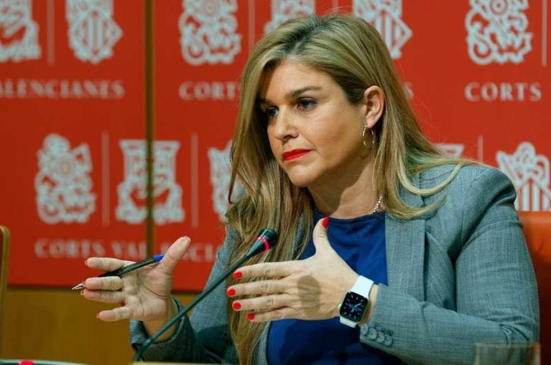 La secretaria general del PPCV, Eva Ortiz, ofrece una rueda de prensa sobre cuestiones de actualidad. EFE