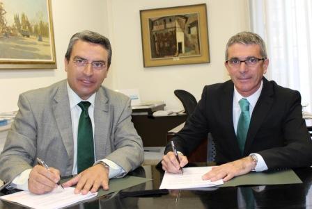 Imagen del diputado de Turismo, Sanjuán, y alcalde de Favara, Pedro Juan Victoria. FOTO: DIVAL
