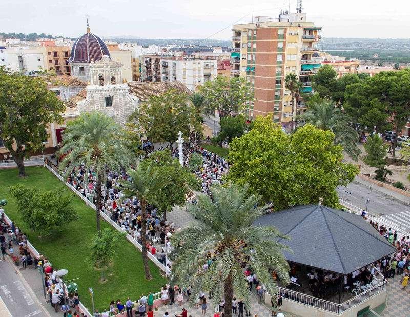 Gran participacio en el Dia de la Vallivana de les festes de Picassent . EPDA