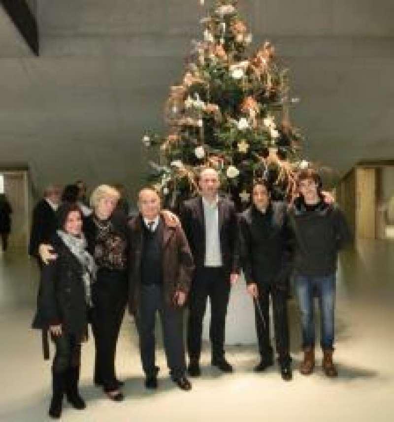El alcalde con representantes de la Orquesta y de la Asociación de Enfermos y Familiares de Alzheimer (AFA) de Teulada.