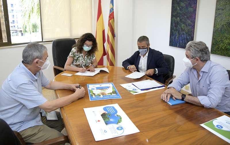 Un momento de la firma del conveni. EPDA