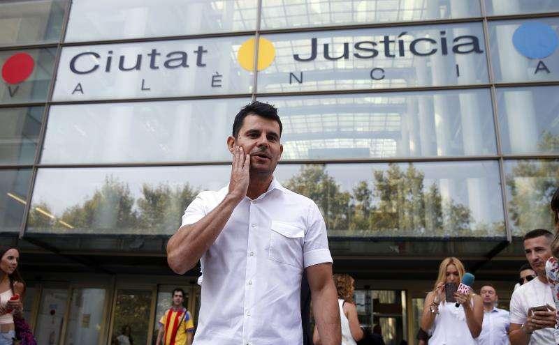 Javier Sánchez Santos, a su llegada a la Ciudad de la Justicia el día que presentó la demanda de paternidad, en septiembre de 2017. EFE/Archivo