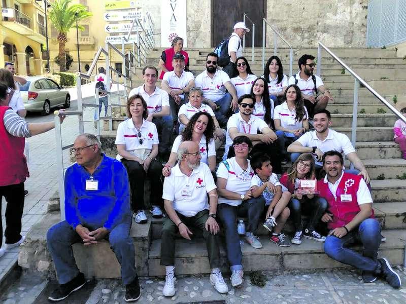 Grupos de voluntarios de la Cruz Roja de l