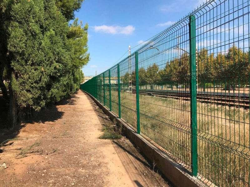 Vallas de protección del tren de Massanassa. EPDA