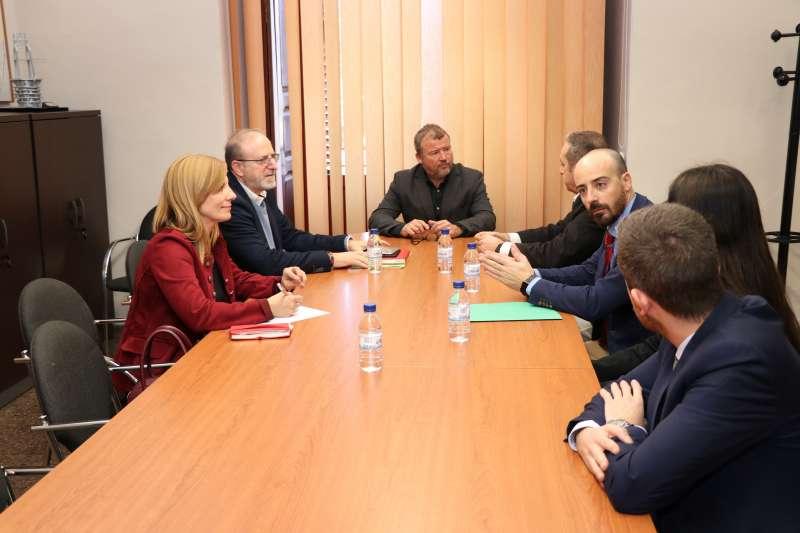 Firma del convenio entre el Ayuntamiento de Sagunt y Carrefour. EPDA