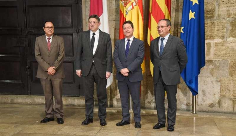 Puig y García-Page reclaman un modelo igual para todos independientemente de donde residan