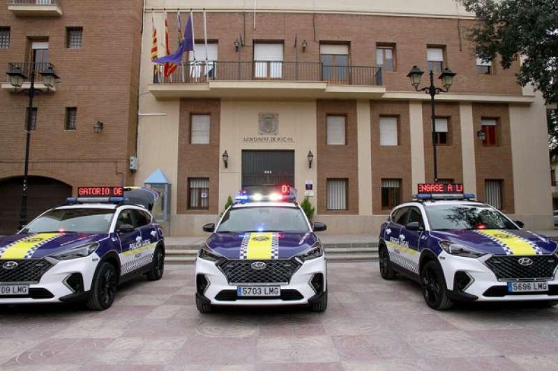 Nuevos coches policiales de Puçol. EPDA