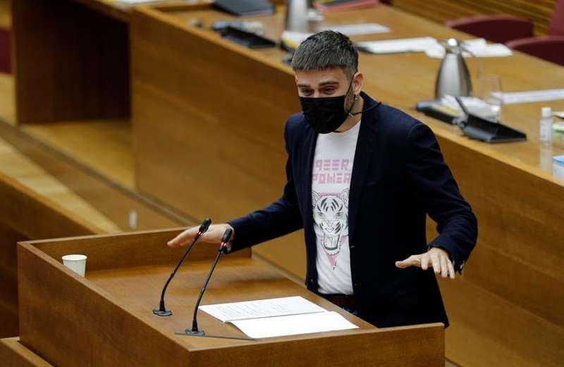 En la imagen, el portavoz de Compromís en Les Corts, Fran Ferri. EFE
