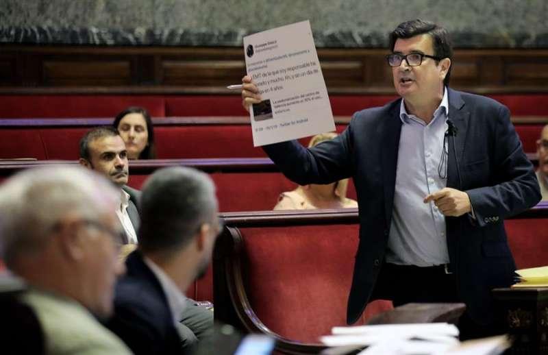 El portavoz del grupo municipal del Ciudadanos en el Ayuntamiento de València, Fernando Giner. EFE