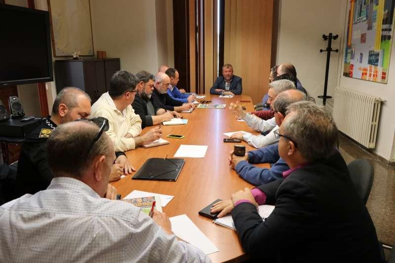 Reunión en Ayuntamiento de Sagunt por la previsión de lluvias esta Semana Santa.